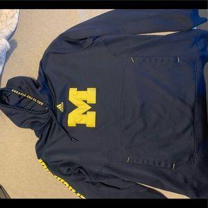 Michigan men's sweatshirt